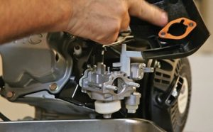 How to Clean Carburetor on Pressure Washer Featured